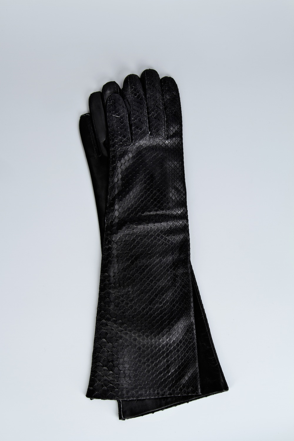 Lambskin and Python Skin Medium Length Glove / Fall-Winter 2013 / Mark Molnar