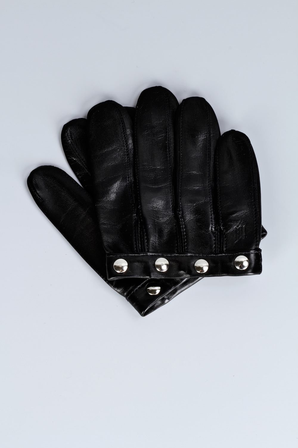 Cropped Lambskin Glove with Studs / Fall-Winter 2013 / Mark Molnar